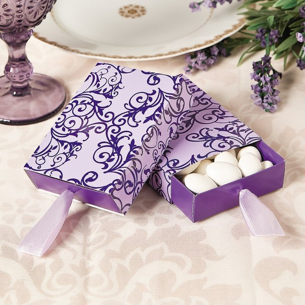Picture of Wedding Pull Favour Box