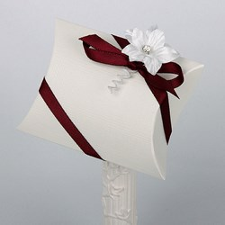 Picture of Silk Bridal White Pillow