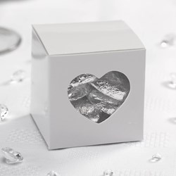 Picture of Heart Favour Box with Chocolate Hearts
