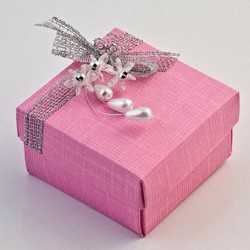 Picture of Bright Pink Silk Favour Box