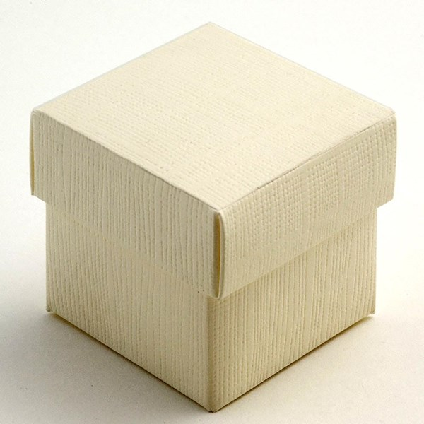 Picture of Ivory Silk Favour Box