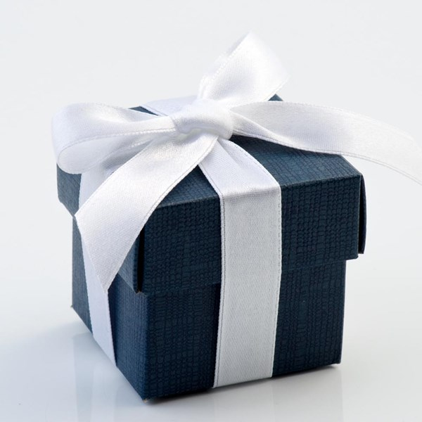 Picture of Navy Silk Favour Box