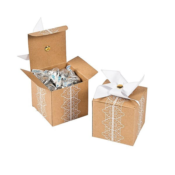 Picture of Cardboard Pinwheel Favour Boxes