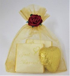 Picture of Gold Voile Bag Chocolate Favour