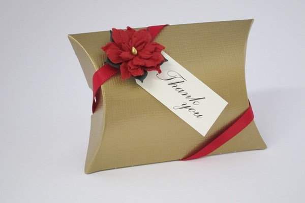 Picture of Christmas Gold Silk Pillow Box