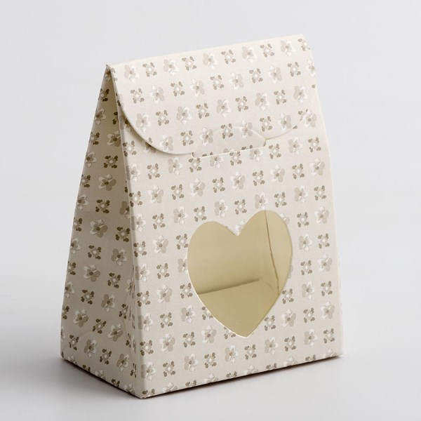 Picture of Bloom Sacchetto Heart Favour Box with Sweet Filling