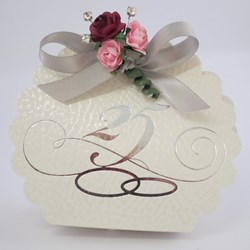 Picture of 25th Wedding Anniversary Scalloped Edge Box