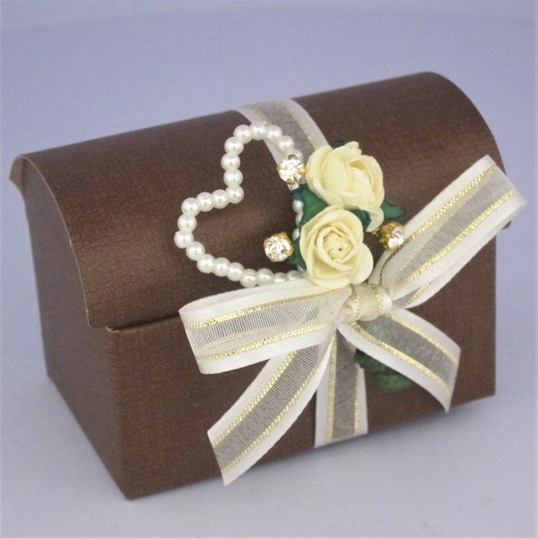 Picture of Autumn Cream & Pearl Heart Chest Favour Box