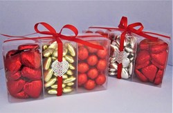 Picture of Red Hearts Chocolate Gift Set