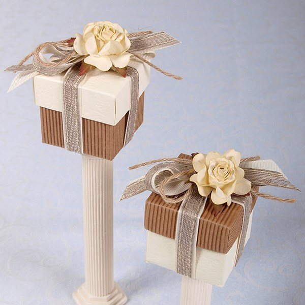 Picture of Ready Made Rustic Rose Duo Colour Box and Lid