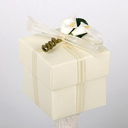 Picture of Silk Ivory Box & Lid